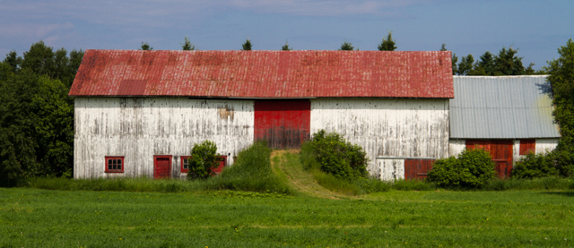 Barn, south shore, St. Lawrence River